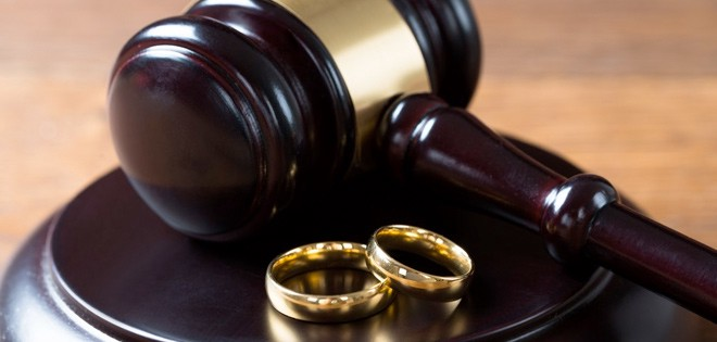 Getting Divorced? 5 Reasons Why you Need a Lawyer